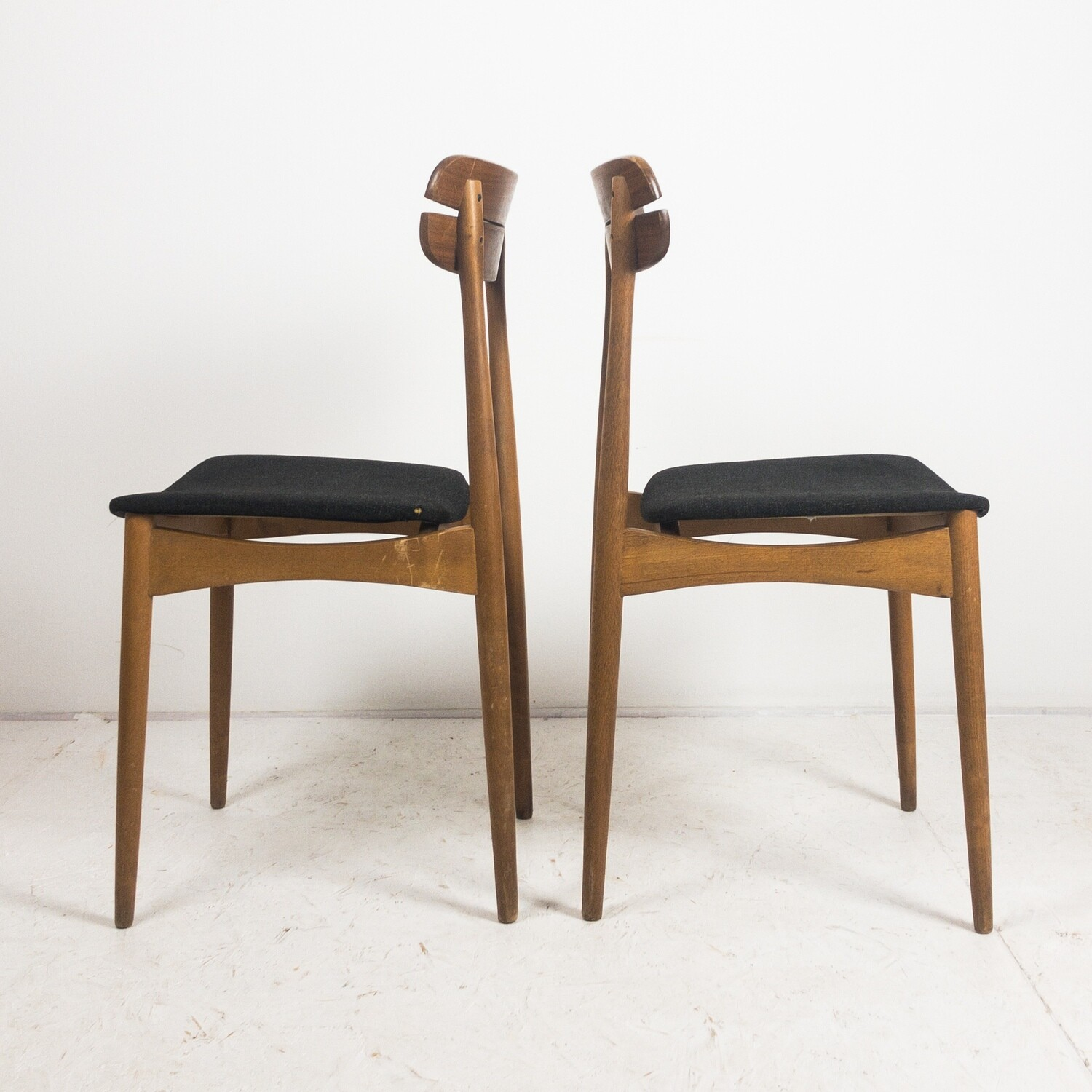 Set of 2 Scandinavian style chairs