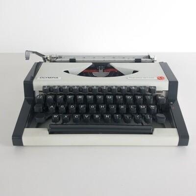Olympia Traveler de Luxe typewriter, 1970s