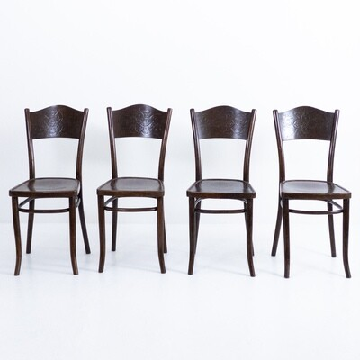 Set of 4 Thonet chairs