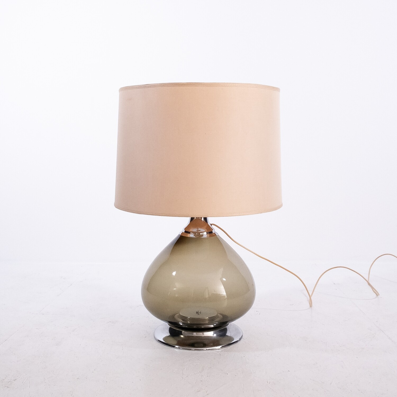 Table lamp in blown glass