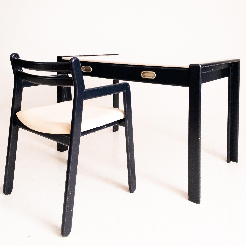 Scrivania e sedia vintage