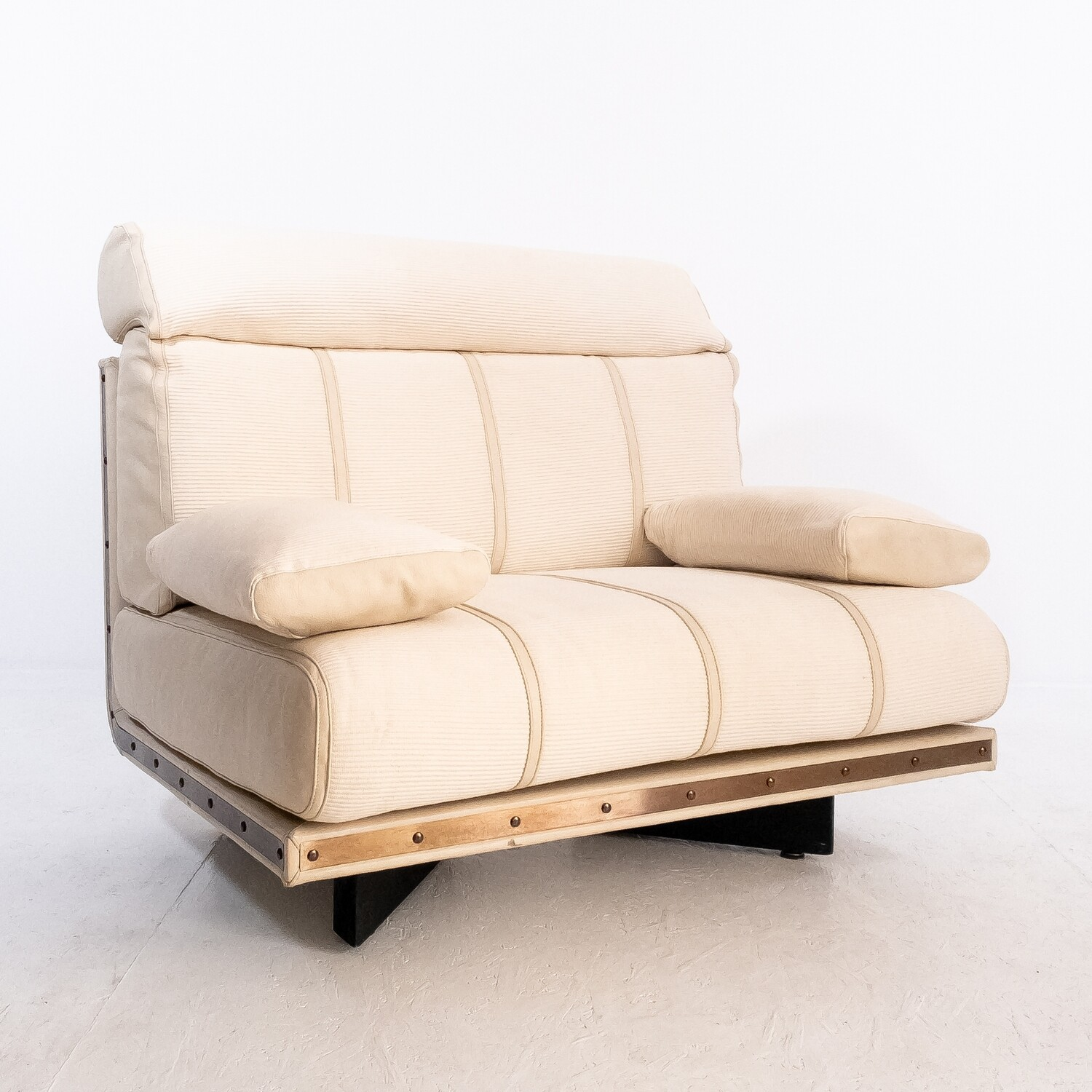 Derby armchair design Nicola Trussardi for Busnelli Study & Research Center, Italy 1983