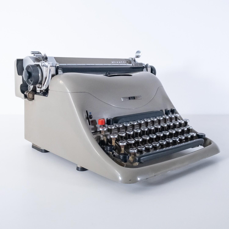 Macchina da scrivere Olivetti M80