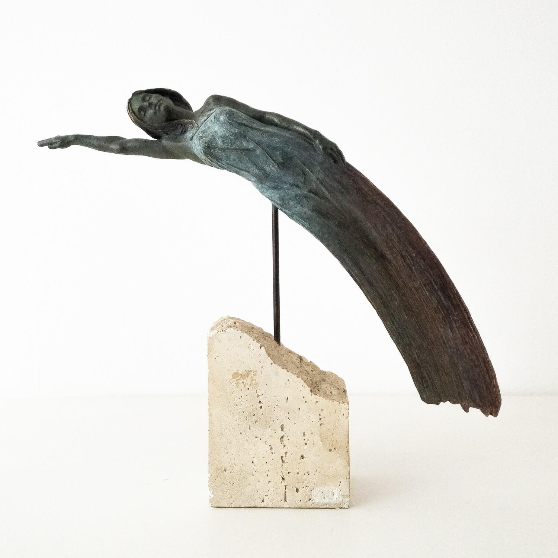 Scultura in rame di Isabel M. Belsa per Inver Art