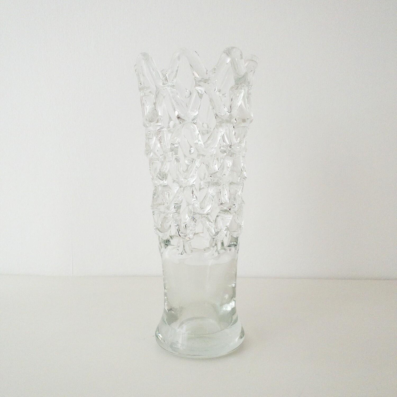 Sculpture vase in woven glass