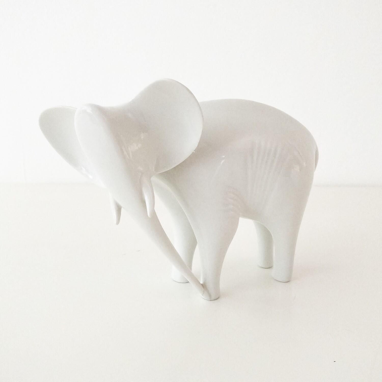 Elefante in porcellana Royal Dux, anni '60