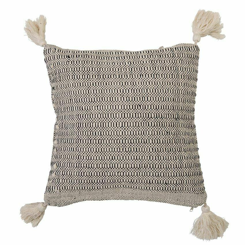 Renee Cotton Pillow W/ Tassels, 18x18