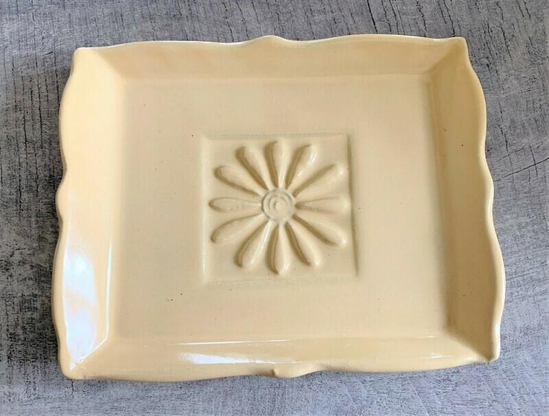Daisy Soap Dish - Butter