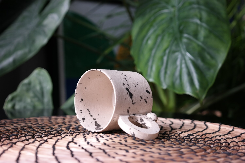 5 oz beige stoneware ceramic mug, Splash black paint