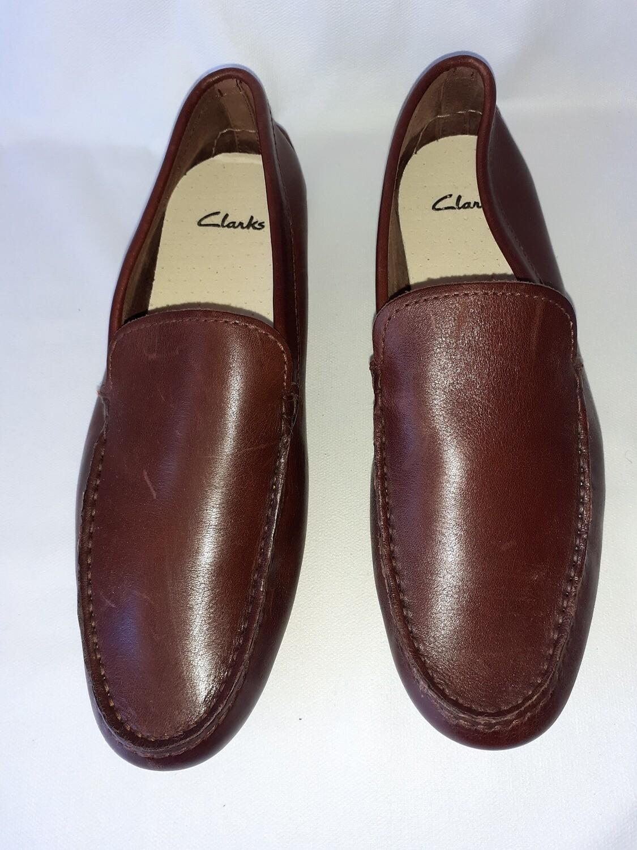Chaussure homme de marque CLARKS. très bon état. taille 44