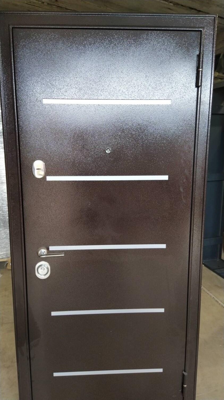 Металлическая дверь Бульдорс 14 (новая) 880*2050 правая