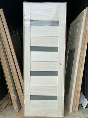 Дверь с коробкой ПВХ 01.07 дуб бианко  750*2030 правая (образец)