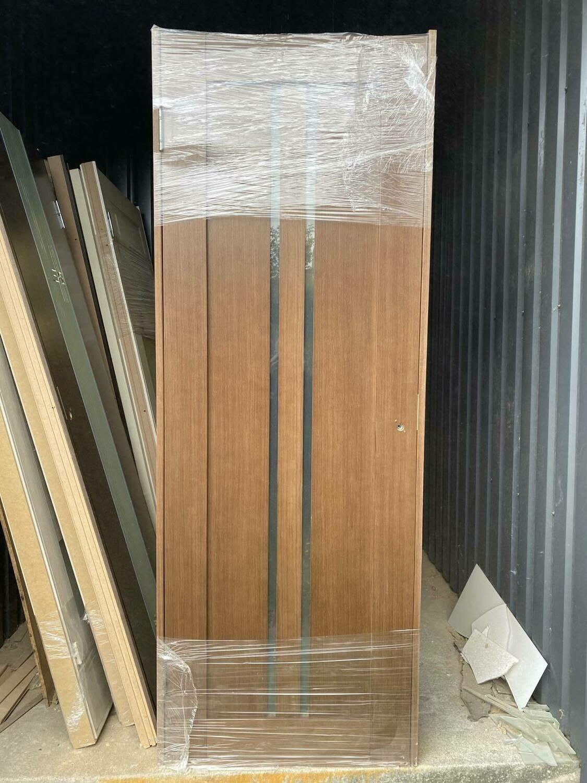 Дверь с коробкой шпонированная D-1 750*2030 правая (образец)