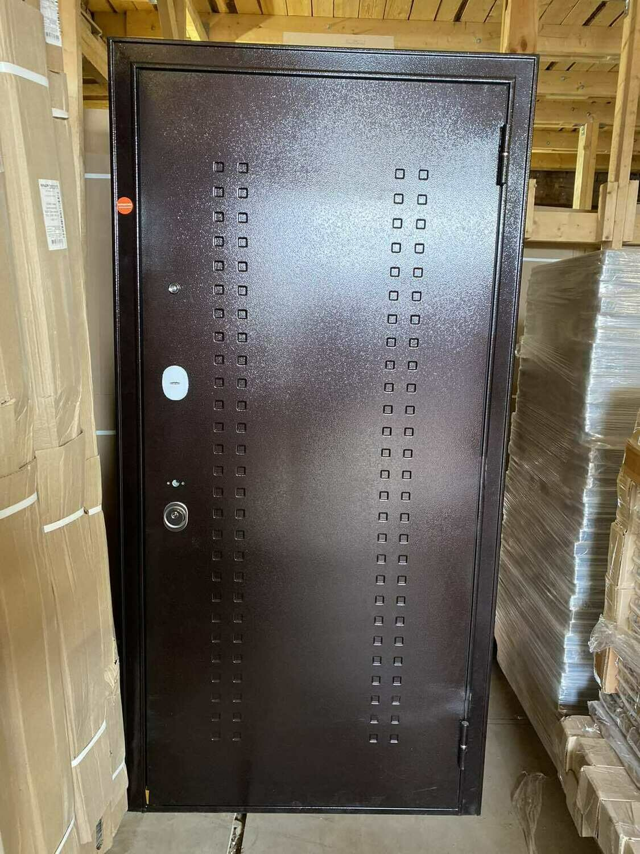 Металлическая дверь Бульдорс 14Т НОВАЯ 960*2050 правая