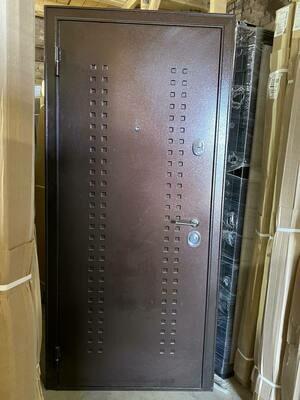 Металлическая дверь Бульдорс 14Т образец 880*2050 левая