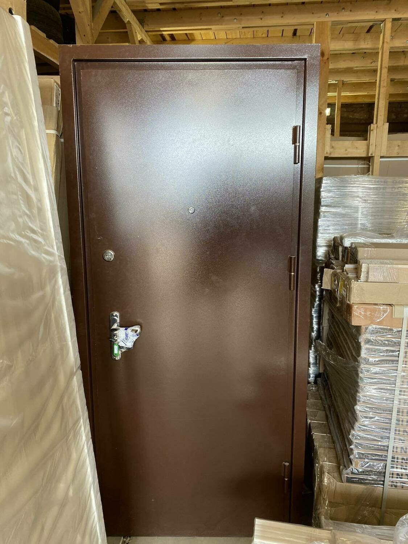 Металлическая дверь  870*2060 правая (Образец)