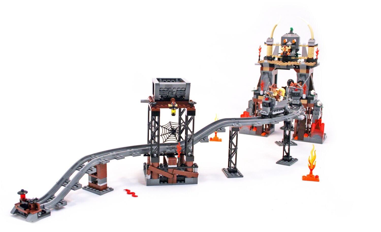 "Lego Set Indiana Jones ""The Temple of Doom"" #7199"