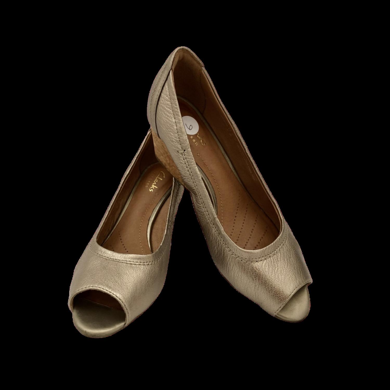 Clarks Artisan Gold Peep Toe Cork Wedge Shoe Women's 6