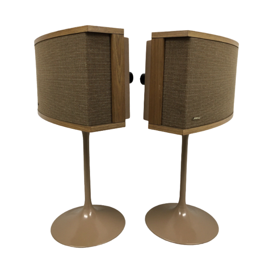 BOSE 901 SERIES VI Set of 2 Walnut Speakers with Tulip Stands and Equalizer with Carver TDR-2400 and Carver C-11 Preamplifier