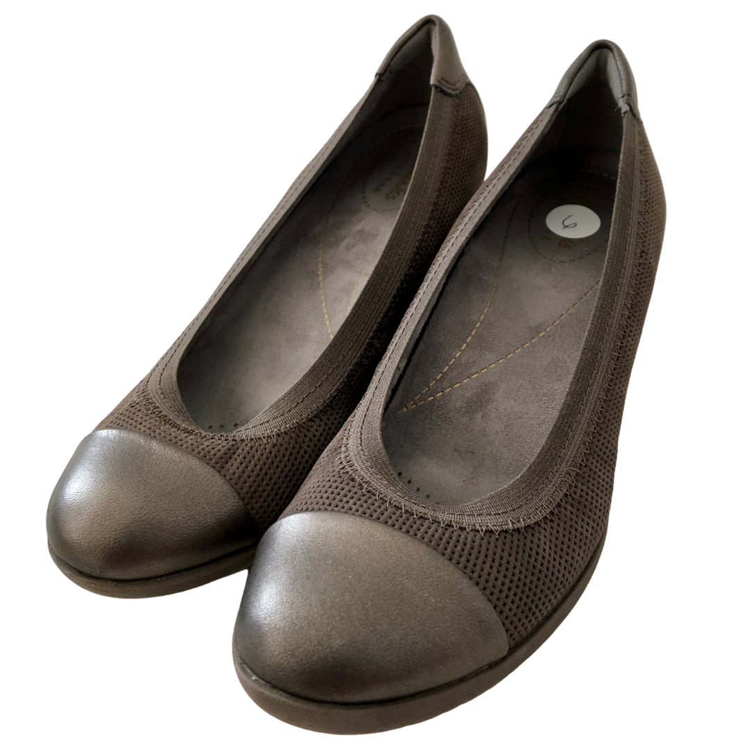 Clarks Artisan Slip-On Comfortable Wedge Shoe Women's 6