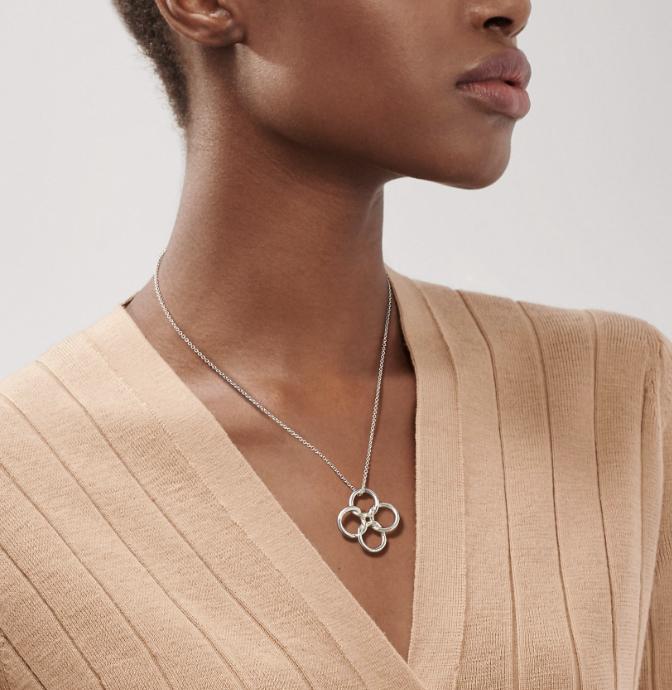 """Tiffany & Co Sterling Silver Necklace and Pendant """"Quadrifoglio"""" Designed By Elsa Peretti"""