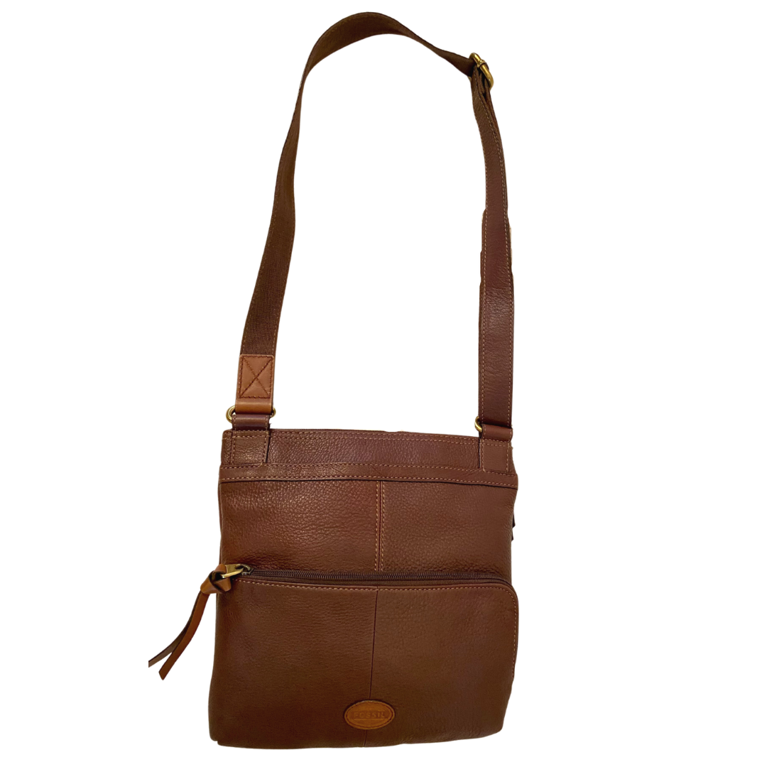 Fossil Pebble Grain Crossbody Purse with Flap and Zipper Compartments