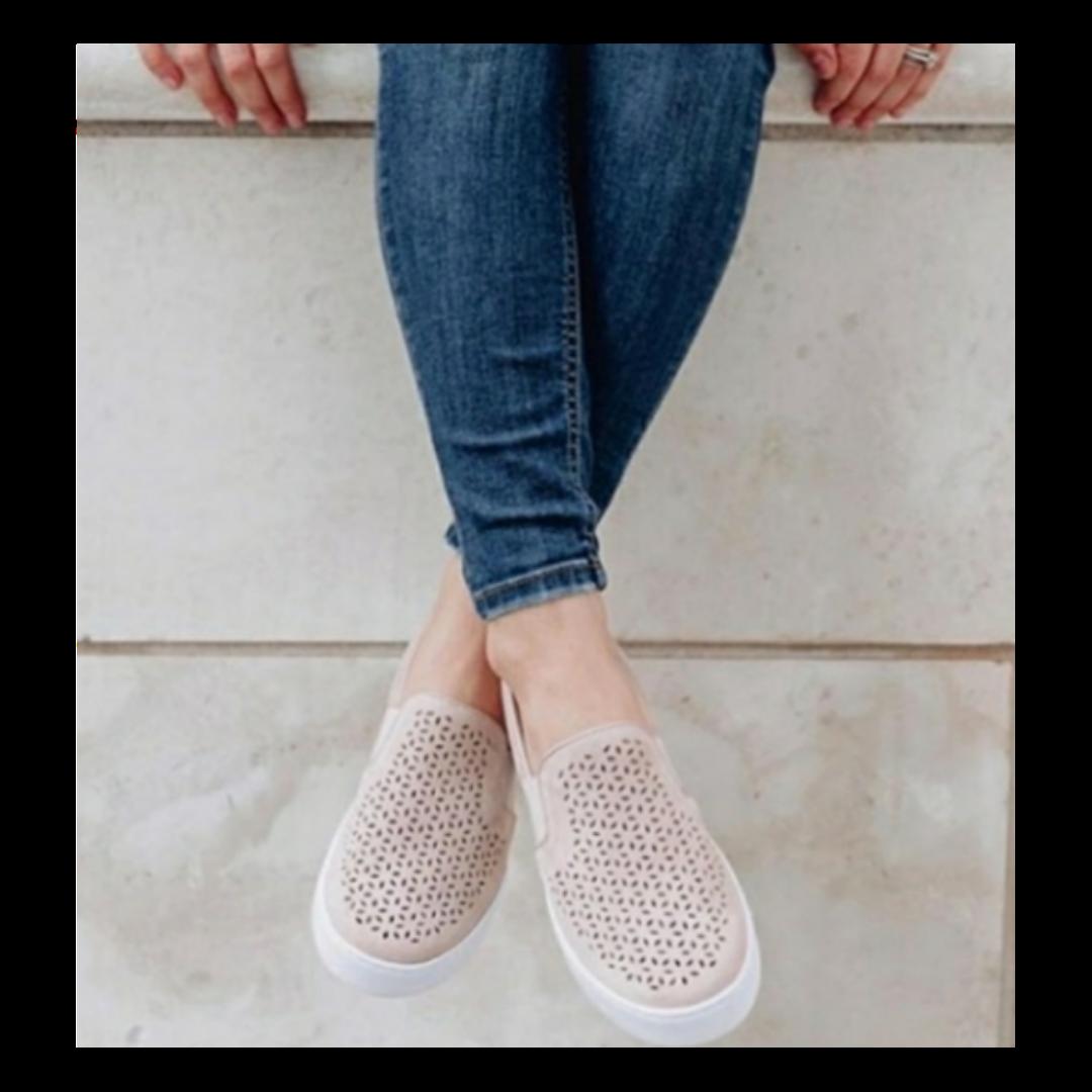 VIONIC Splendid Kani Slip-on Dark Blue Walking Shoe Women's 8.5