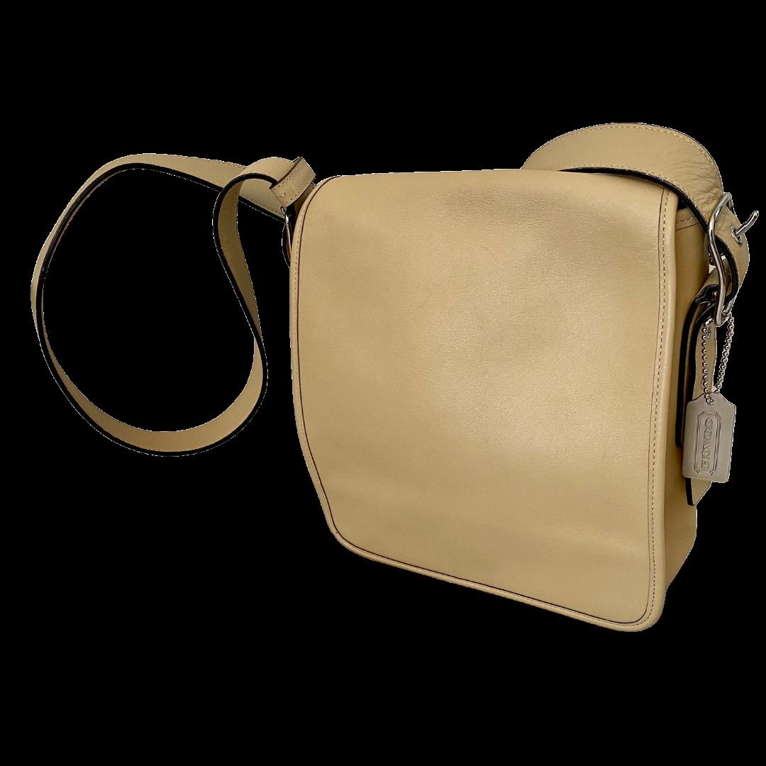 COACH Vintage Adjustable Strap with Magnetic Flap Closure Purse 9335