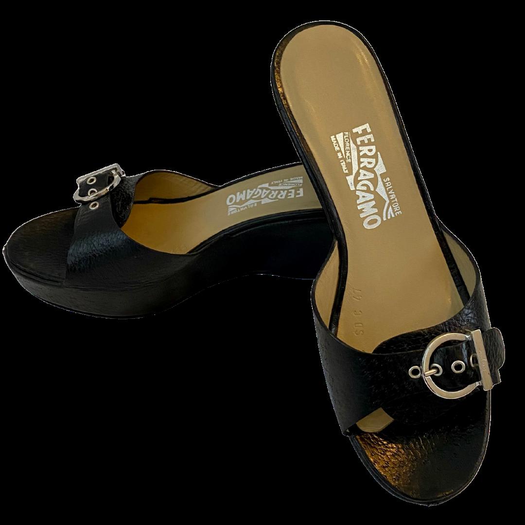 Salvatore Ferragamo Agostina Nero Pebble Grain Sandal Shoe Women's 8.5