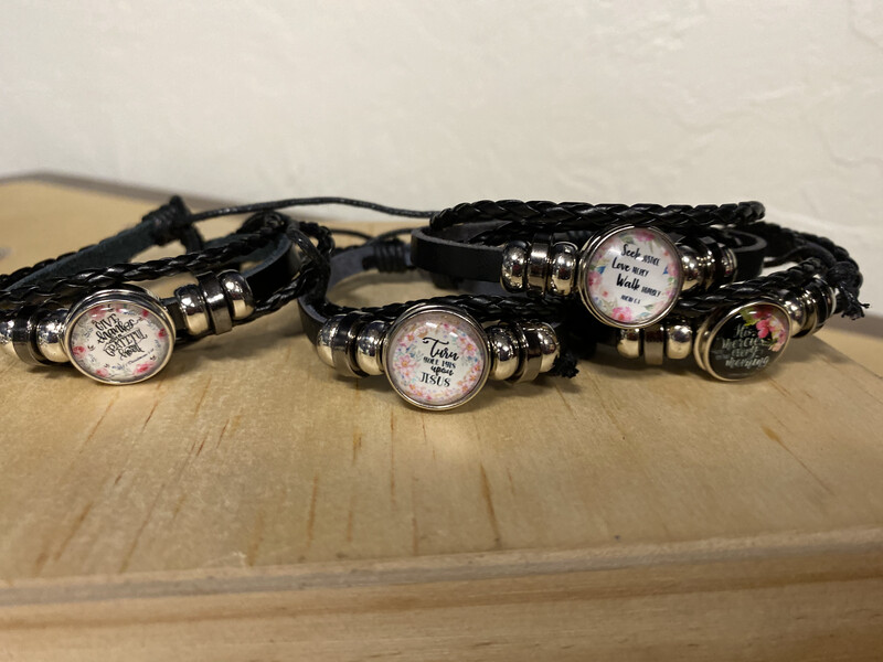 Snap Charm Bracelet- Give Thanks With A Grateful Heart