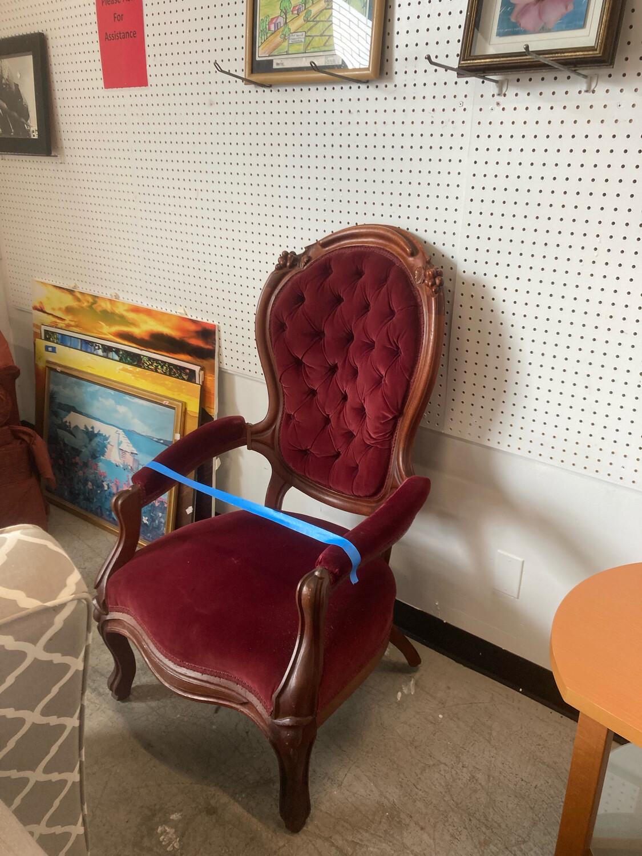 Antique Button Tufted Velvet Chair