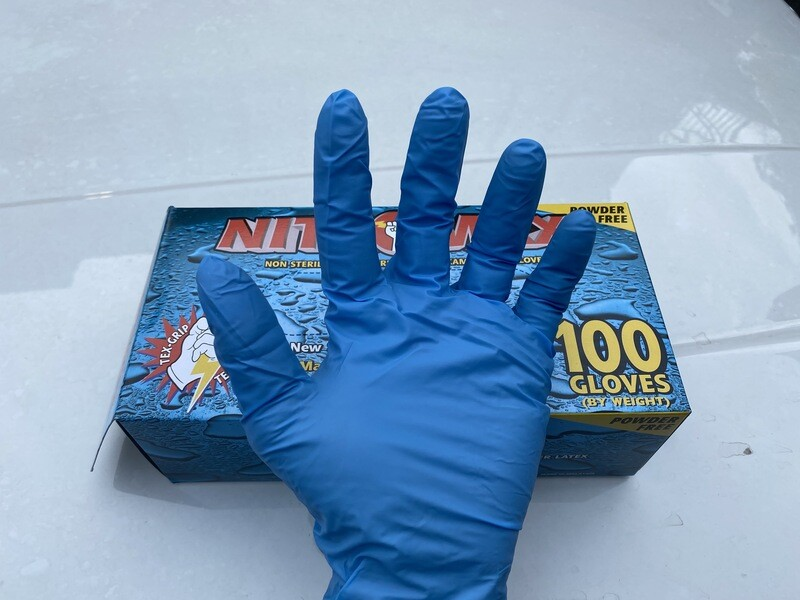 Nitrile Gloves ( SIZE LARGE )