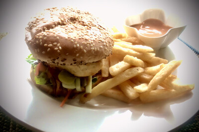 Fat Tuna Signature Burger (Salmon)