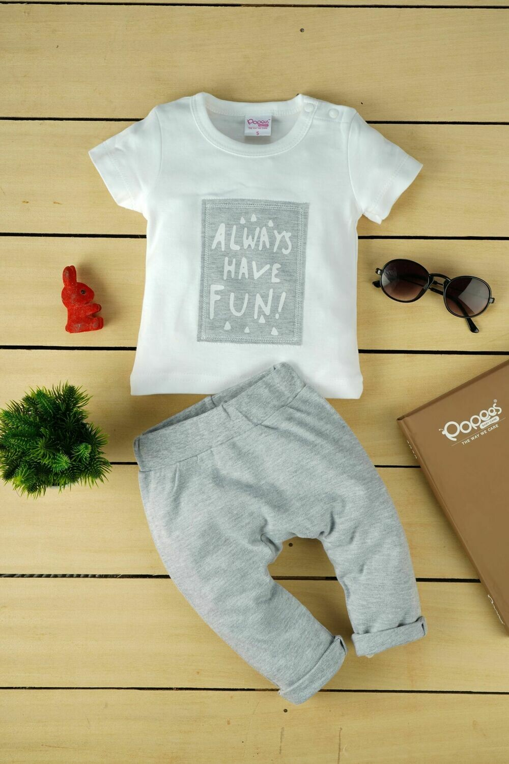Stylish Zood White T-shirt With Pants for Baby Boys