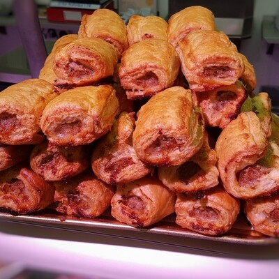 Puff Pastry Sausage Rolls x 4
