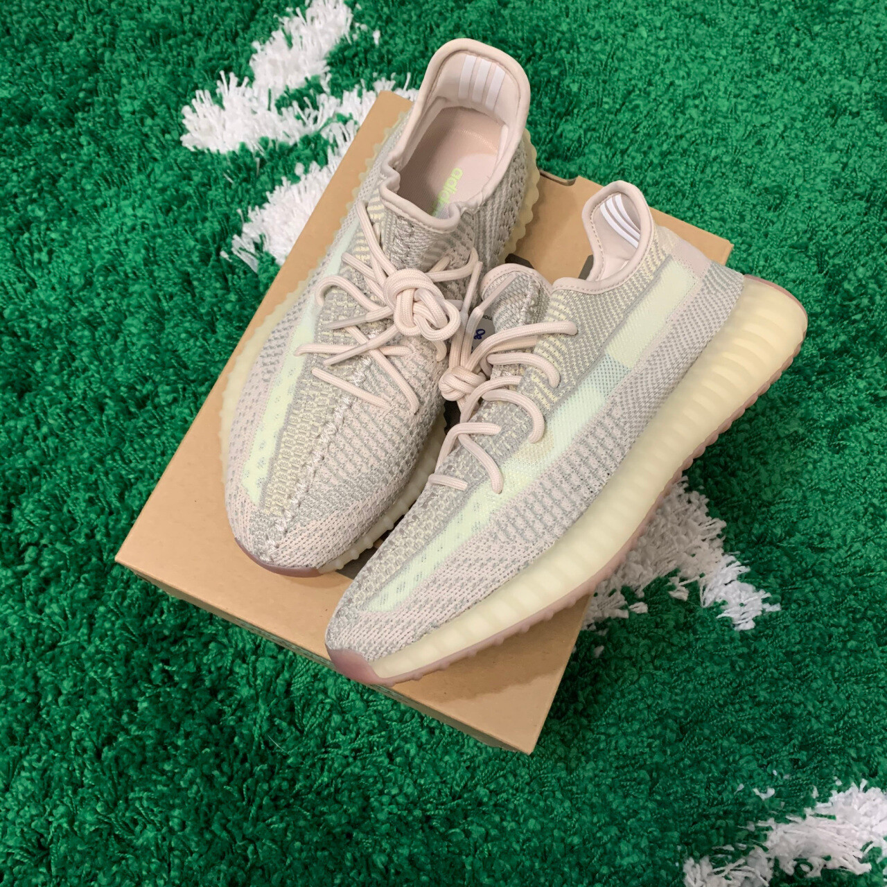Adidas Yeezy Boost 350 v2 Citrin Size 8.5
