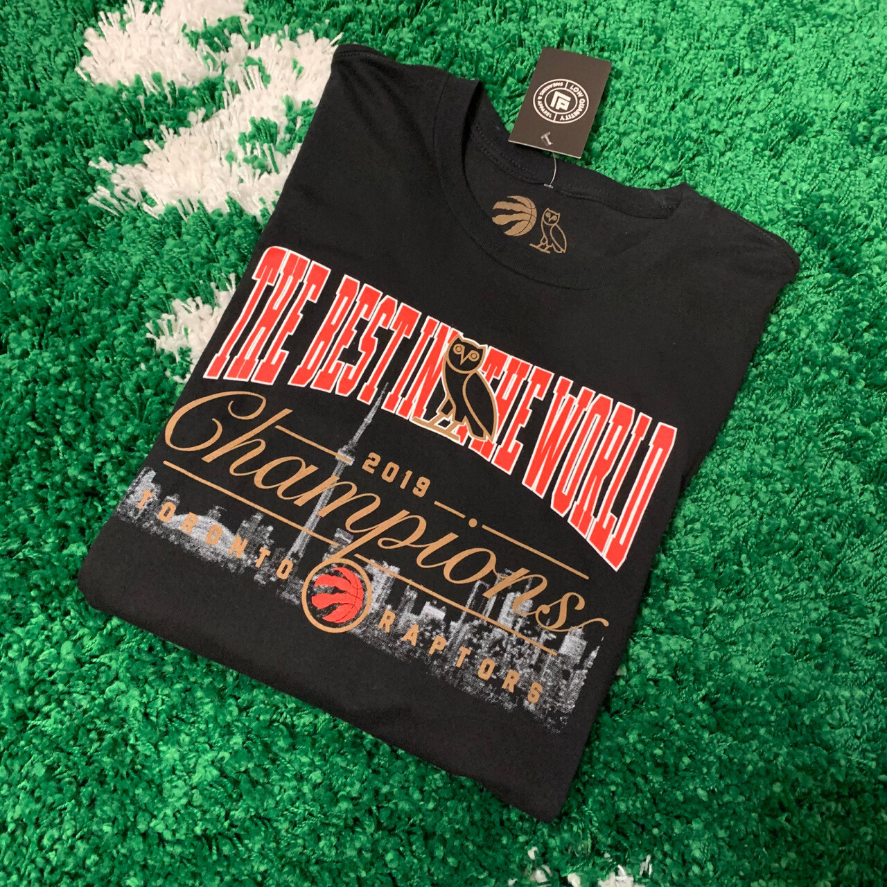"""OVO x Raptors """"Best in the World"""" T-Shirt Size Large"""