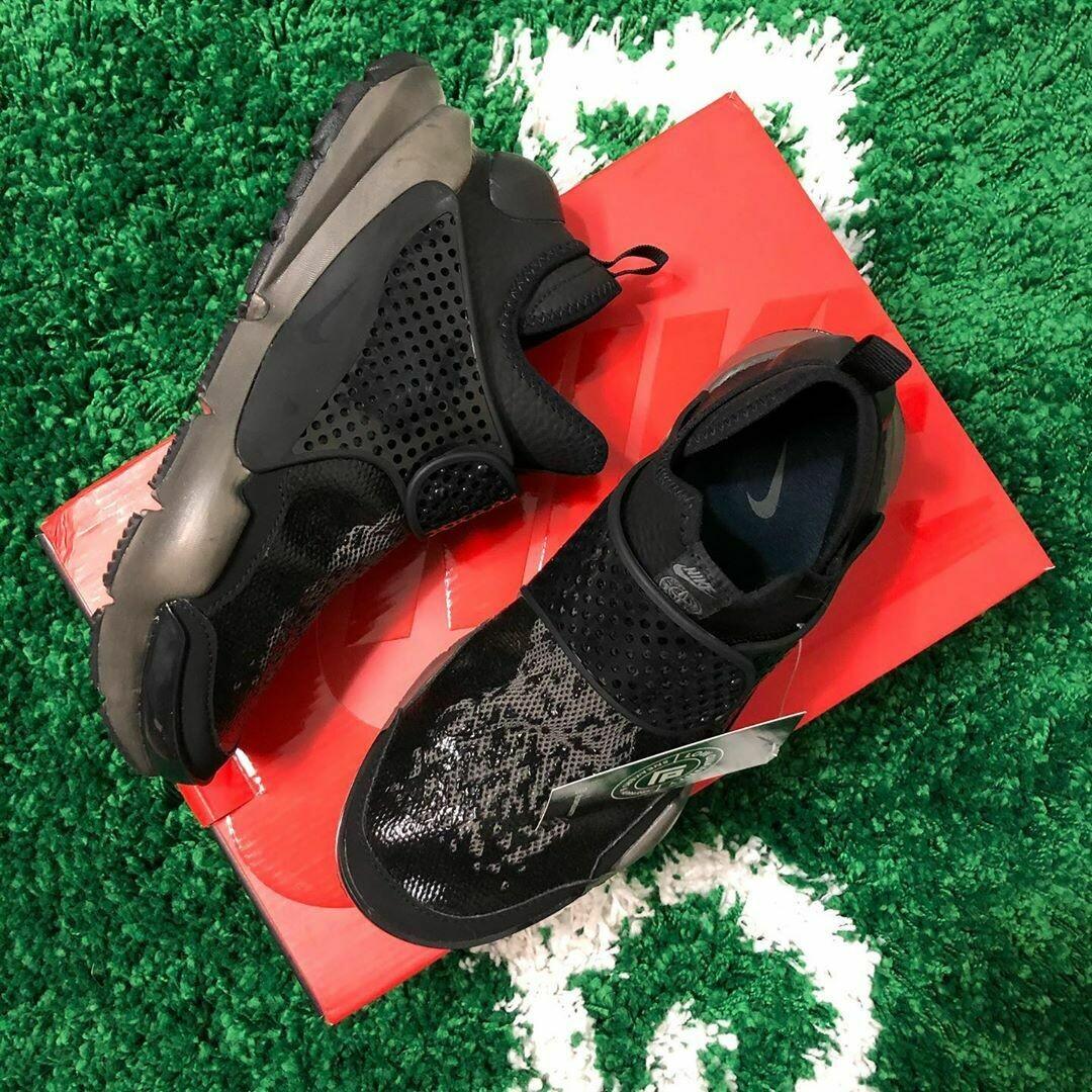 Nike Sock Dart Mid Stone Island Black Size 8