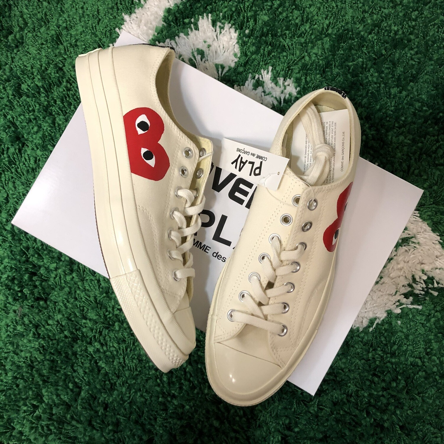 CDG Converse Size 10.5