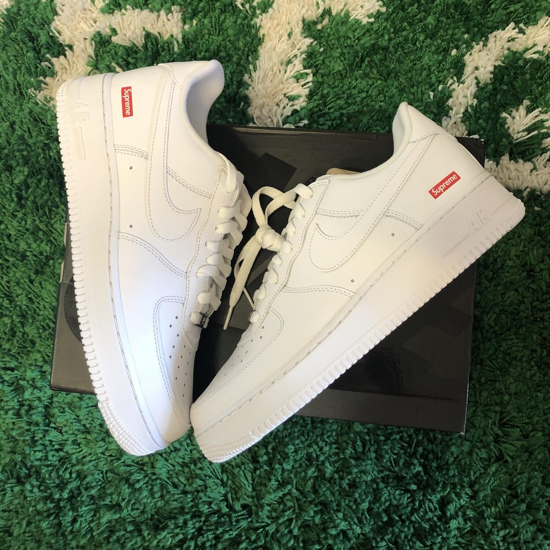 Supreme x Nike Air Force 1 White Size 9