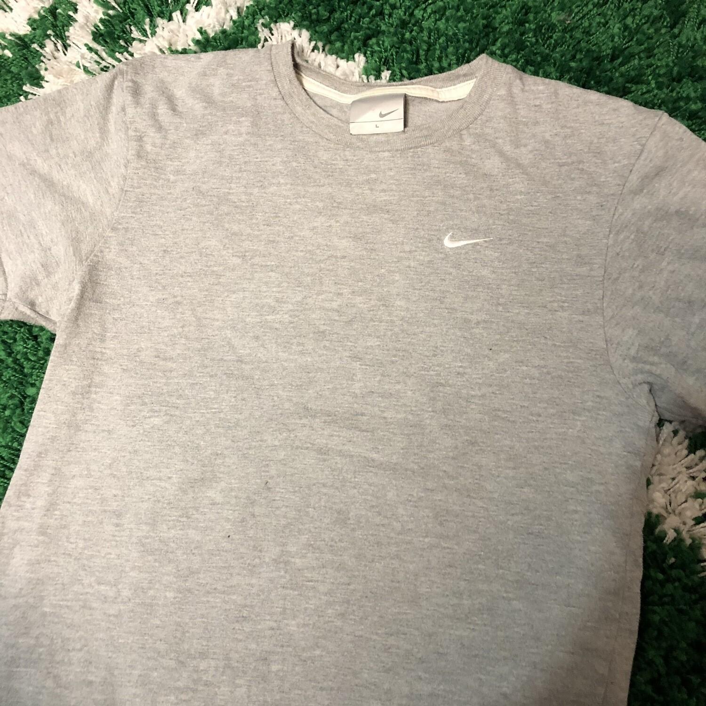 Nike Stitched Logo Small Swoosh Size Small