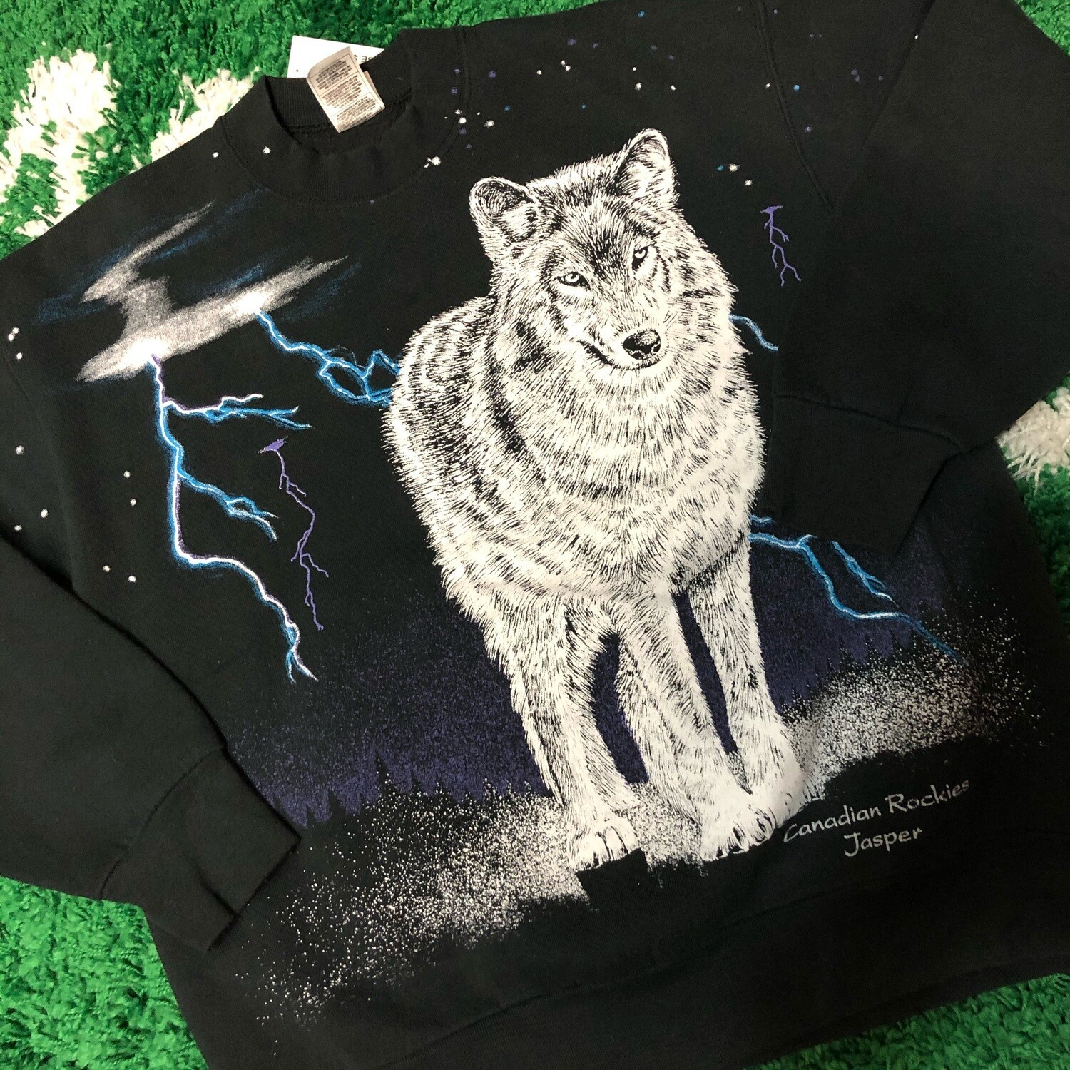 Canadian Rockies Wolf Sweater Size Large