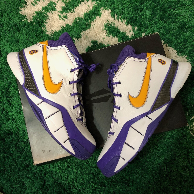 Kobe Protro 1 white/gold/purple Size 9.5