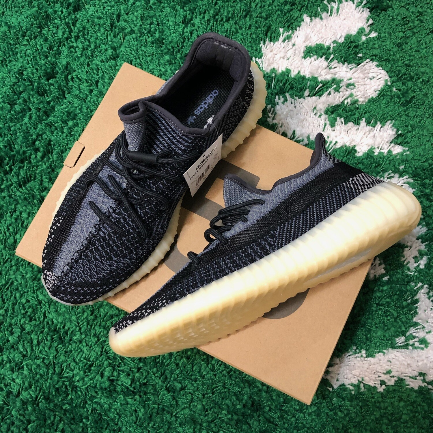 Adidas Yeezy Boost Carbon Size 10.5