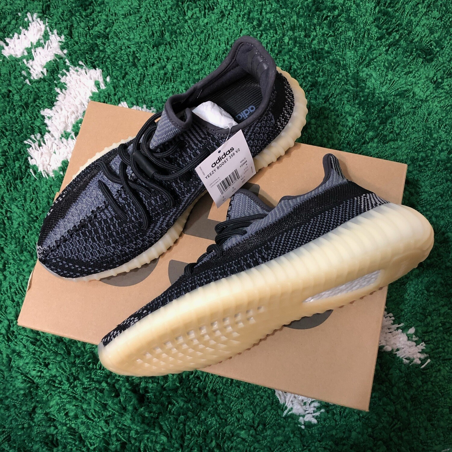 Adidas Yeezy Boost 350 V2 Carbon Size 9