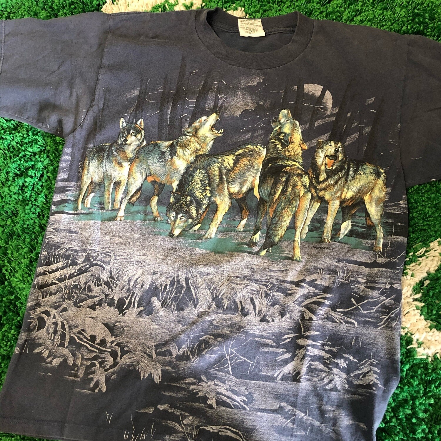 Vintage Wolf All over Print tee Size Large
