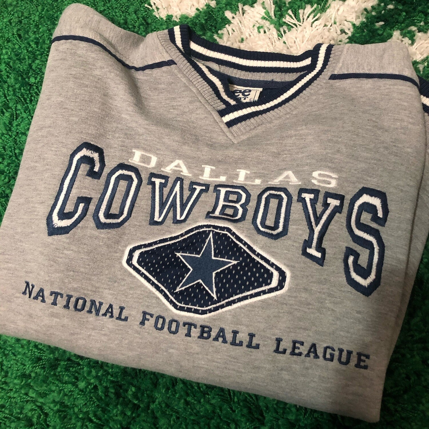 Dallas Cowboys NFL Sweater Grey Size Large