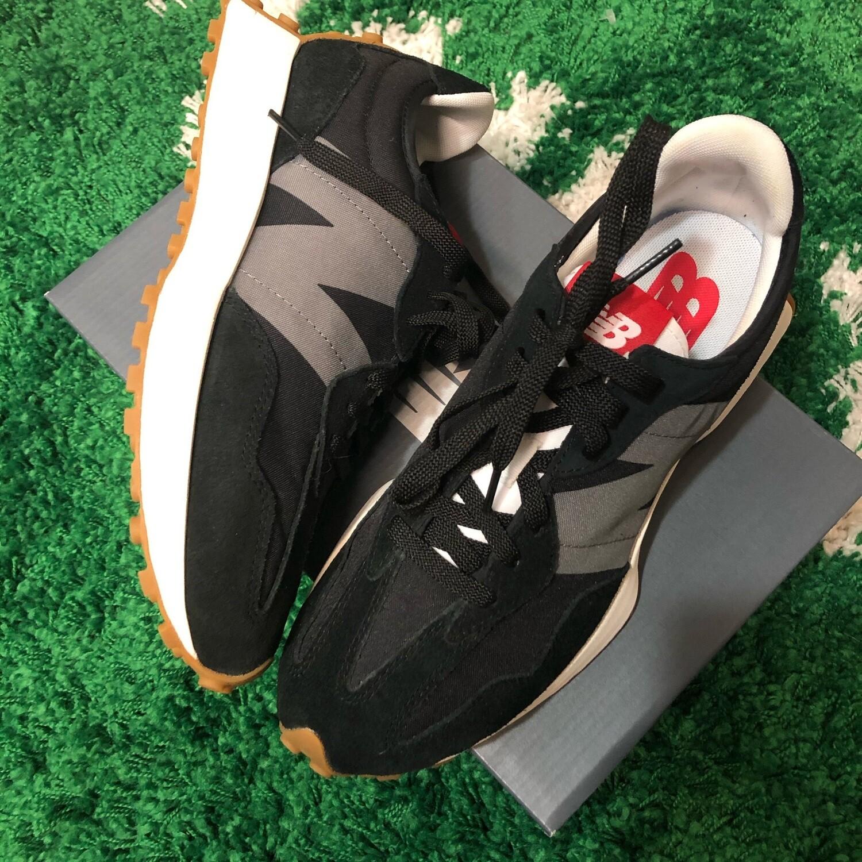 New Balance 327 Black Size 9