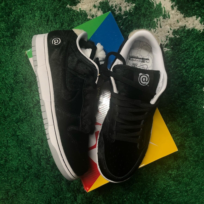 Nike SB Dunk Low Medicom Toy Size 9