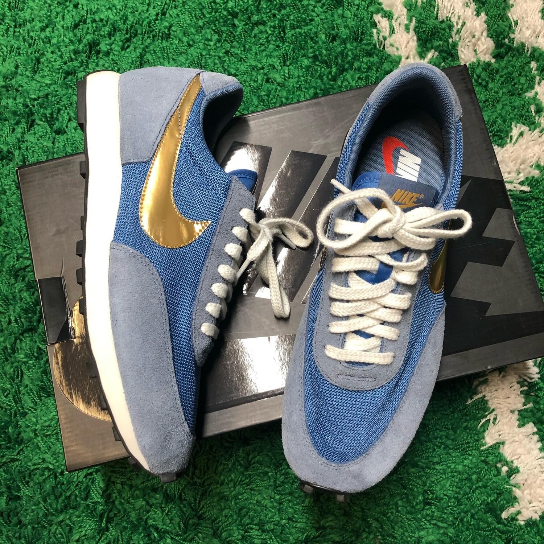 Nike Daybreak Metallic Gold Size 10.5